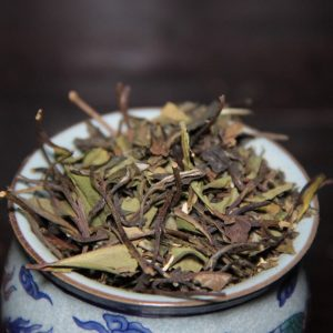 Valkoinen tee, hedelmäinen Pai Mu Tan - Valkoinen huvimaja