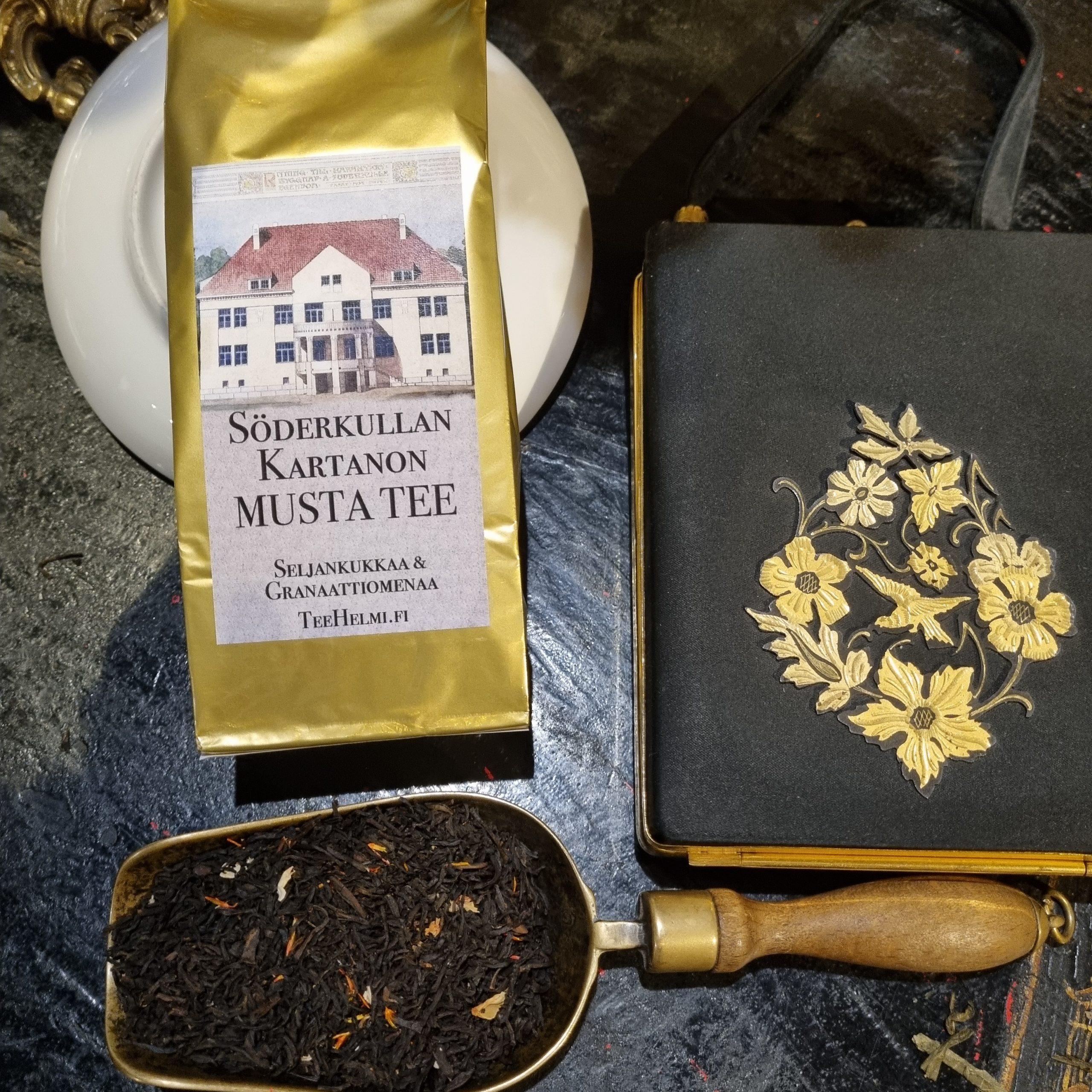 Söderkullan kartanon musta maustettu tee